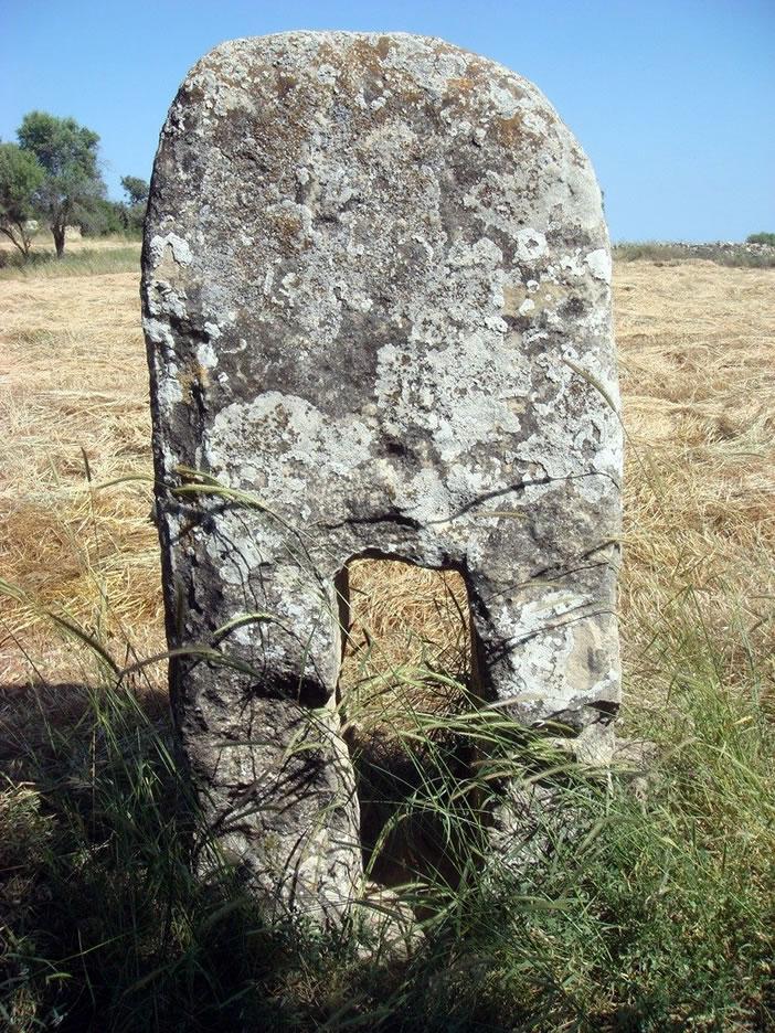 Камни монолиты - загадочное место Кипра