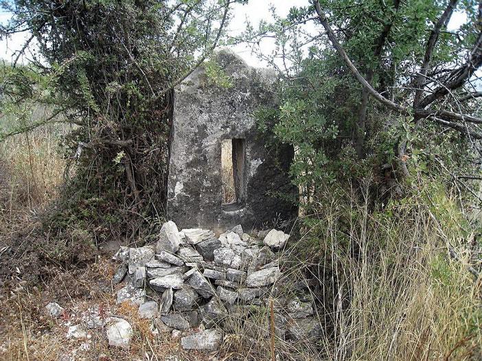 Камни монолиты Кипра